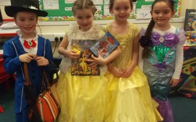 Mrs Allom / Common's class enjoy World Book Day