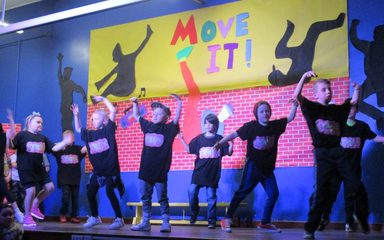 Year 4's FANTASTIC play … MOVE IT!