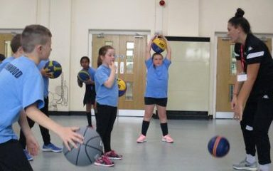 Y5 Newcastle Eagles Hoops for Health