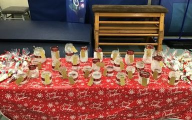 Year 4NS make Festive Mason Jars