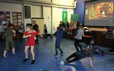 Wow! The Y5's sure know how to PARTY!